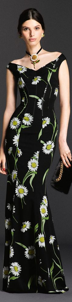 Dolce and Gabbana Summer - 2016 Más Floral Fashion, Love Fashion, Fashion Outfits, Fashion Design, Dolce And Gabbana 2016, Floral Gown, Special Occasion Dresses, Couture Fashion, Beautiful Dresses