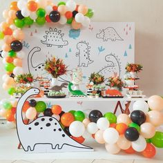 Festa Dinossauro: 45 ideias e tutoriais para um evento cheio de aventura 2nd Birthday Party Themes, Dinosaur Birthday Party, Birthday Party Decorations, Boy Birthday, Die Dinos Baby, Baby Dino, Baby Party, Party Time, Color Lila