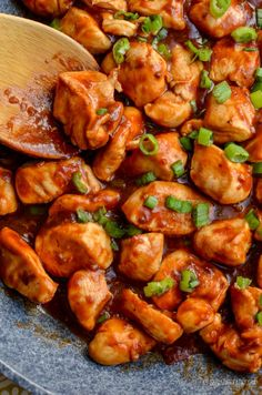Heavenly Tender Hoisin Chicken - a quick simple dish that is ready in less than 20 minutes and can be cooked in an Actifry or on the Stove Top. Gluten Free, Dairy Free, Slimming WOrld and Weight Watchers friendly Slimming World Chicken Dishes, Simple Chicken Dishes, Chicken Menu, Sticky Chicken, Fun Easy Recipes, Healthy Recipes, Healthy Dinners, Indian Food Recipes, Asian Recipes