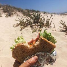 """Amor Em Castelo on Instagram: """"O que é que os melhores seguidores gostam de comer na praia? 💙⛱    #gastronomia #comidacaseira #sandes #praia #amoremcastelo #cuisine…"""" Desserts, Instagram, Food, Homemade Food, Castle, Followers, The Beach, Gastronomia, Meal"""