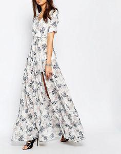 True Decadence Tall | True Decadence Tall - Robe longue cache-cœur avec imprimé floral sur l'ensemble