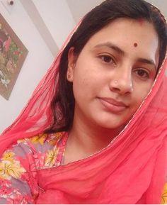 Indian Natural Beauty, Indian Beauty Saree, Beautiful Celebrities, Beautiful Actresses, Beautiful Black Girl, Beautiful Women, Rajasthani Dress, Beautiful Housewife, Nice Lips