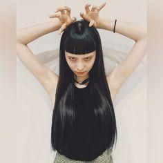 帰阪! 髪の毛染めた&切った! トリートメントで 髪の毛てりゅてりゅ。 加工で色わからんあるある〜 透明感あってお気に入り。 自然光下で見るの楽しみ。 しげちゃんささいつも有難う! 大阪楽しむ〜! #hairstyle #vintagestyle #cime - マンナミユ (@nijihan) - Instaliga is the best instagram web-viewer