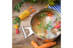 Chicken Herb Infuser van Fred & Friends. De silicone kip kun je vullen met jouw favoriete kruiden zonder ze later in je vlees, soep of tussen je tanden terug te vinden. #koken #recepten #kruiden #kip #kookcadeau #cadeau #moederdag #sinterklaascadeau #kerstcadeau
