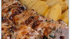 Κοντοσούβλι με πατατούλες στη λαδόκολα - Daddy-Cool.gr Greek Recipes, Pork Recipes, Cooking Recipes, Healthy Recipes, Pork Dishes, Tasty Dishes, Food Network Recipes, Food Processor Recipes, Greek Meze