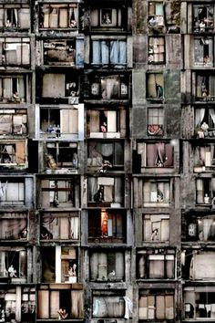 22-story 911 Prestes Maia,  São Paulo, thought to have been the largest squat in the world