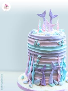 Tutorial cake design Mermaid cake - Fairy Cake - Make a magnificent mermaid cake that will amaze all your guests. Little mermaids will love this pas - Fondant Cake Designs, Fondant Cakes, Ocean Birthday Cakes, Sirenita Cake, Mastros Butter Cake, Pink Sweets, Pancakes From Scratch, Sea Cakes, Mermaid Cakes