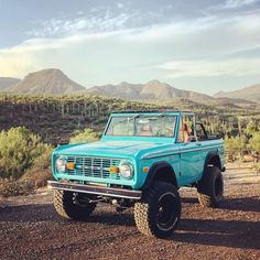 Vintage Trucks Classic One of our all time favorites. Picture sent to us from the man himself - - - Classic Bronco, Classic Ford Broncos, Ford Classic Cars, Classic Chevy Trucks, Old Ford Bronco, Hummer Cars, Hummer H1, Architecture Design, Vsco