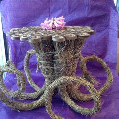 Wikkelingen gebundeld ... Rama Seca, Fall Arrangements, Mechanical Design, High Art, Art Techniques, Flower Decorations, Flower Designs, Cool Designs, Floral Design