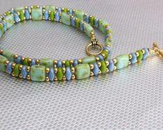 Beaded Wrap Bracelets, Beaded Bracelet Patterns, Seed Bead Bracelets, Seed Bead Jewelry, Jewelry Bracelets, Seed Beads, Hippie Bracelets, Beaded Bracelets Tutorial, Embroidery Bracelets