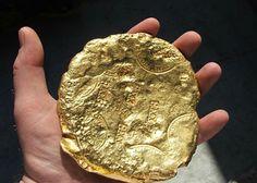 Pedazo de oro del Nuestra Señora de Atocha.  Gold ingot from the Atocha.