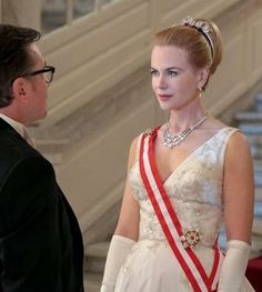The first trailer featuring Nicole Kidman as Grace Kelly is here!