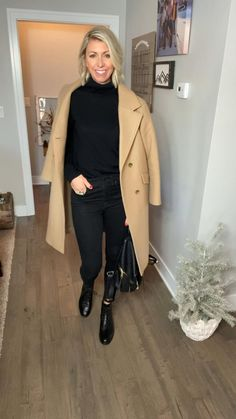 Winter Outfits Women, Casual Fall Outfits, Winter Fashion Outfits, Retro Outfits, Chic Outfits, Everyday Outfits, Casual Chic, Combat Boots, Black Jeans