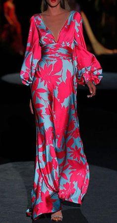 Fashion Tips Bags Printed V-neck long sleeve dress.Fashion Tips Bags Printed V-neck long sleeve dress Fashion Mode, Look Fashion, Womens Fashion, Fashion Tips, Fashion Design, Fashion Trends, 2000s Fashion, Fashion Hacks, Classy Fashion