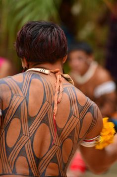 Tribal Headdresses From Around The World ~ Part VI Brazil Dance, Jagua Tattoo, Xingu, Tribal People, Maya, Body Modifications, First Nations, People Around The World, Portrait