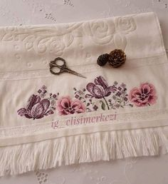Cross Stitch Rose, Cross Stitch Charts, Cross Stitch Patterns, Bargello, Kitchen And Bath, Cross Stitching, Diy And Crafts, Creations, Embroidery