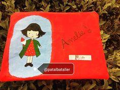 "Estuche pintado a mano ""Amelie"" Amelie, Pot Holders, Ropa Vieja, Plushies, Hot Pads, Potholders, Amelia, Planters"