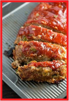 This healthy turkey meatloaf recipe will leave you begging for seconds! It's moist, packed with flavor, and lighter than traditional meatloaf! I believe I've mentioned this before, but I'm a man. I me (Low Carb Meatloaf Recipes) Ground Turkey Meatloaf, Ground Beef, Moist Turkey Meatloaf, Turkey Meat Loaf Recipe, Healthy Turkey Meatloaf, Ground Turkey Meat Recipes, Turkey Loaf, Healthy Ground Turkey, Food Dinners