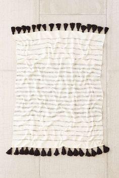 4040 Locust Slidell Throw Blanket