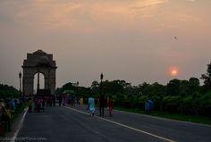 India Gate at sunset  #monuments #India #photography  http://delhiphototour.com/tours/photo-tour-of-delhi-monuments/
