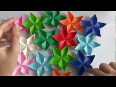 - 5 petals flower - It's a KUSUDAMA (modular origami) which means that you have to fold the 5 petals separately. Gato Origami, Origami And Kirigami, Origami Stars, Origami Easy, Oragami, Paper Folding Crafts, Origami Paper Folding, Paper Crafts Origami, Diy Paper