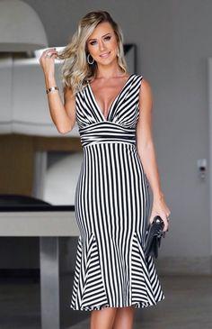 Cut Out Pencil Dress - Karen Millen - office fashion - Beautiful Casual Dresses, Flowery Dresses, Kente Styles, Short Dresses, Summer Dresses, Feminine Style, Women's Fashion Dresses, Striped Dress, Spring Outfits