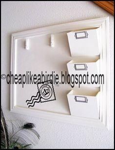 DIY - Mail, school, and office organizer. Make it up and down with lower areas . DIY - Mail, school, and office organizer. Make it up and down with lower areas for younger kids. Diy Holder, Modern Home Office Furniture, Home Organization, Family Room Makeover, Diy Home Decor, Home Diy, Office Organization, Diy Storage, Diy Mail