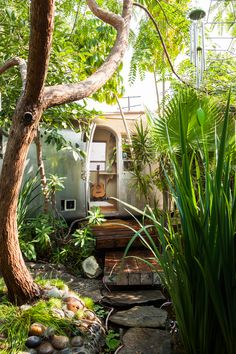 Bohemian Living: The airstream home of Musician Milcee Surely It couldn't get much better than this? An airstream caravan situated in your own mini botanical garden! This dreamy bohemian habitat.