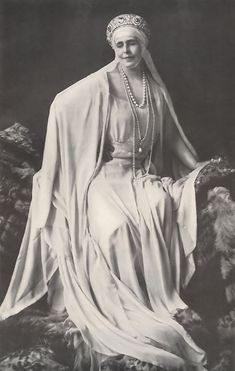 Queen Marie of Romania Gallery / Queen Marie - Town & Country Magazine 1949 Royal Tiaras, Tiaras And Crowns, Queen Mary, King Queen, Michael I Of Romania, Adele, Romanian Royal Family, Town And Country Magazine, Princess Alexandra