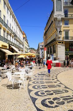 Chiado square. Near Santa Catarina, one of the locations of the film Night Train to Lisbon. Lisbon, Portugal.  Photo: © Rui Rebelo via www.flickr.com/ruireb 09/April/2012