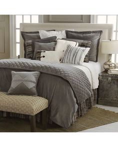 HiEnd Accents Whistler Queen 4-Piece Bedding Set | Sheplers