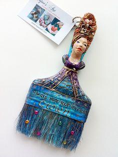 Altered paintbrush, via Flickr. Ojo con careta de guagua!