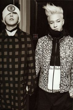 Taeyang in Paris 2014 Photo Book  wt g dragon......they're holding hands ^^