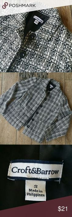"✴GORGEOUS TWEED BLAZER✴ ✴Black, white and gray tweed blazer ✴4 black buttons ✴Front flap pockets ✴Armpit to armpit 17.5"" ✴Shoulder to hem 23"" ✴Material posted in last pic ✴No rips, stains or pulls ✴Smoke free home Sonoma Jackets & Coats Blazers"