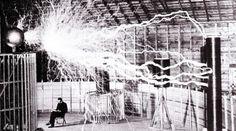 Nikola Tesla dan energi gratis gagasan nya seolah tenggelam seiring dengan kematiannya. Namun apakah ide Tesla ini benar-benar dapat direalisasikan?
