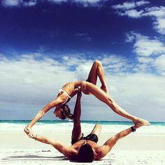 Yoga à deux : les plus belles photos de yoga en couple - Elle