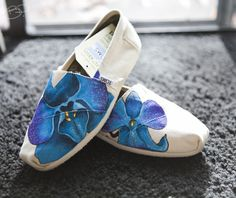Benjamin Paras: Blue Orchid Themed Custom Toms Shoes