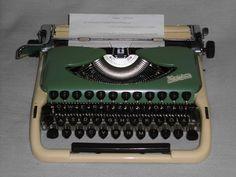 Mechanische Schreibmaschine Groma Kolibri  Luxus mechanical typewriter