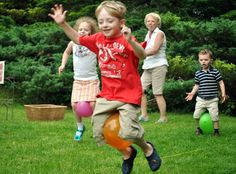 Kangaroo hop relay race - VBS game