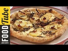 Jamie's got a pizza bianco recipe that offers an alternative to the traditional tomato base we know and love. A delicious dinner idea to try out! Pizza Recipe Jamie Oliver, Chef Jamie Oliver, Jamie Oliver Italian Recipes, Jaimie Oliver, Pizza Recipes, Seafood Recipes, Baking Recipes, Veggie Recipes, Pizza Bianco Recipe