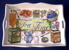 BANDEJA PARA EL TÉ HECHA EN DECOUPAGE Tole Painting, Painting On Wood, Home Crafts, Diy And Crafts, Decoupage Wood, Breakfast Tray, Painted Trays, Tea Box, Wood Tray