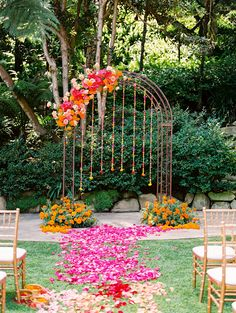 indian wedding wedding decorations Vibrant Indian Wedding at Butterfly Lane Estate in Santa Barbara Desi Wedding Decor, Engagement Decorations, Wedding Mandap, Marriage Decoration, Outdoor Wedding Decorations, Wedding Receptions, Outdoor Indian Wedding, Indian Wedding Flowers, Mehndi Decor
