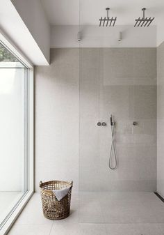 Are you looking for some minimalist bathroom ideas? Here we have several pictures of minimalist bathroom decor ideas you try. No matter how big or small your bathroom is, decorating this room… Continue Reading → Scandinavian Bathroom, Scandinavian Home, Bathroom Renos, Bathroom Interior, Bathroom Ideas, Washroom, Bathroom Styling, Interior Walls, Bathroom Designs