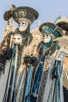 The Gray and Azure - Carnival of Venice 2013 by Pierpaolo De Gennaro Venice Carnival Costumes, Venetian Carnival Masks, Mardi Gras Carnival, Carnival Of Venice, Rio Carnival, Costume Venitien, Venice Mask, Future Fashion, Belle Photo