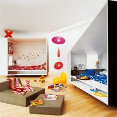 Shared kids room with separate sleeping nooks. , キッズルーム , 子供部屋