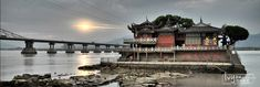 Fuzhou Jinshan Temple was built in a small town on the river, has a history of nearly five hundred years. Far more than 1000 sail past the best, it is still in a watch, lonely diakinesis indifferent.    Title: a solitary small Jinshan Temple。  福州金山寺建于一个江上小埠上,已有近五百年的历史。远处千帆过尽,余它仍在一处守望,孤独终变淡然。  标题:江山孤寺小金山
