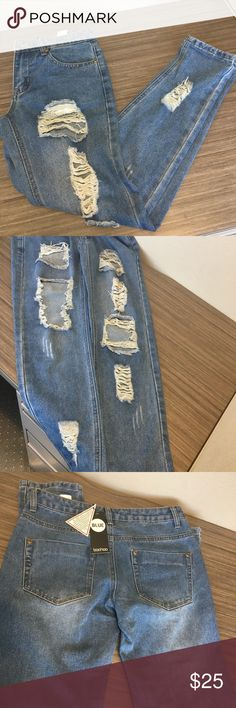 Blue boohoo jeans Lea low rise ripped and distressed boyfriend jeans. PRICE FIRM Boohoo Jeans Boyfriend