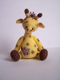 Thread artist crochet miniature bear-giraffe / Showcase / Teddy Talk: Creating, Collecting, Connecting