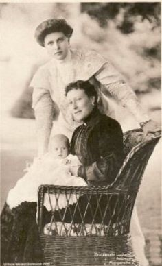 Princess Victoria of Hesse and by the Rhine with her daughter Princess Alice of Battenberg and granddaughter Princess Margareta of Greece and Denmark