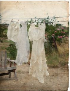 Skill of the Month: Homemade laundry products - Survival Mom What A Nice Day, Laundry Drying, Laundry Detergent, Broken Wings, Vintage Laundry, Linens And Lace, Romantic Homes, Vintage Roses, Vintage Heart